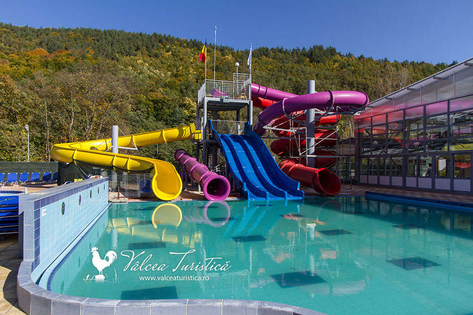 Aqua park calimanesti caciulata valcea turistica for Aqua piscine otterburn park