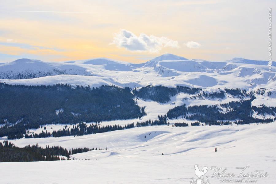 Ski Resort Transalpina - Vedere spre Parang.
