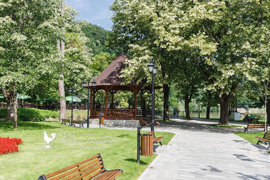 Parcul central Caciulata